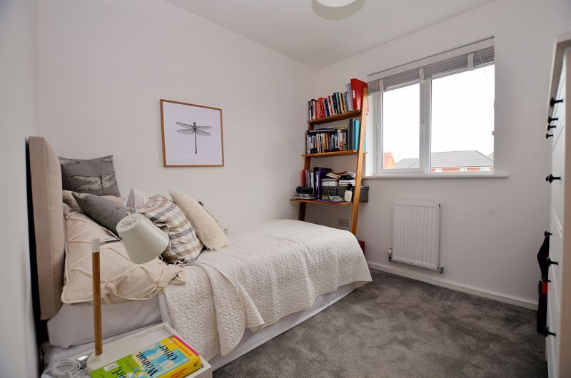 4 bed house for sale in Evered Close 16