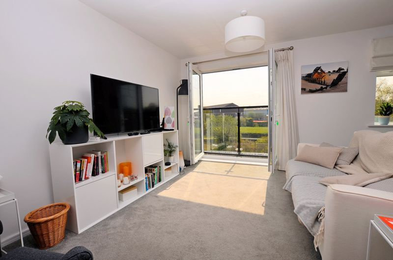 4 bed house for sale in Evered Close 19