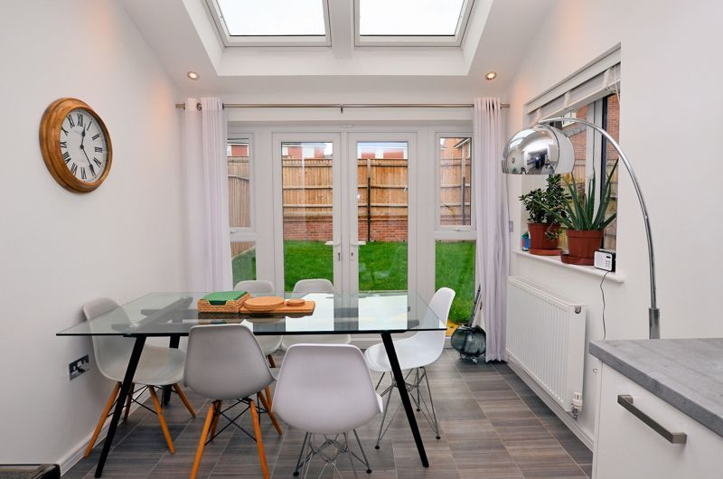4 bed house for sale in Evered Close 4