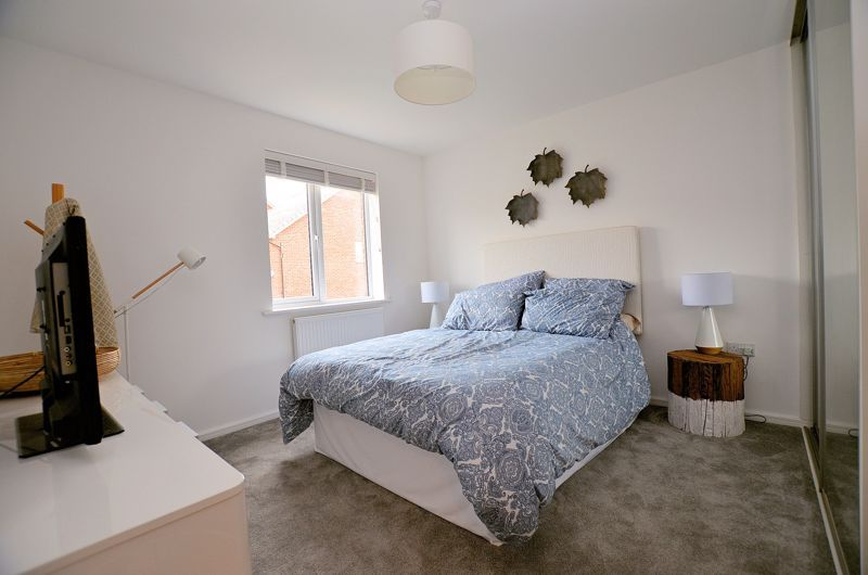 4 bed house for sale in Evered Close  - Property Image 8