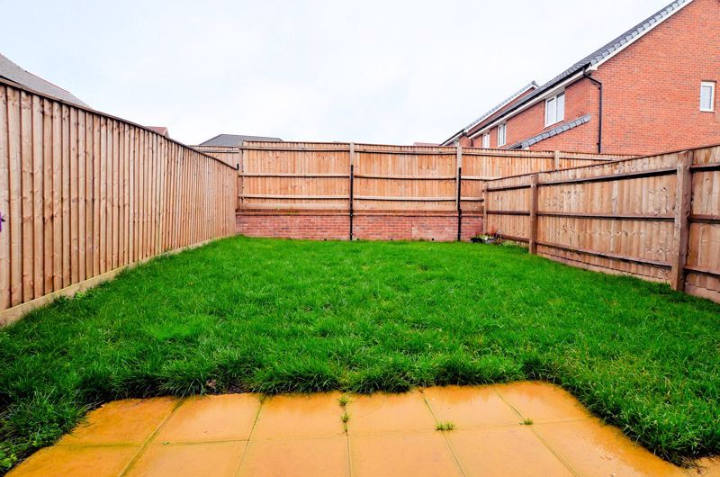 4 bed house for sale in Evered Close 9