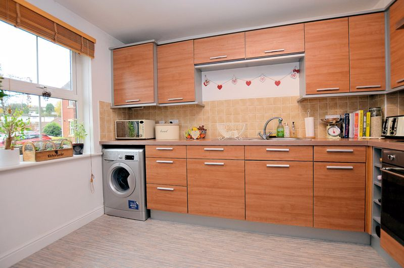 3 bed house for sale in Princes Way 3