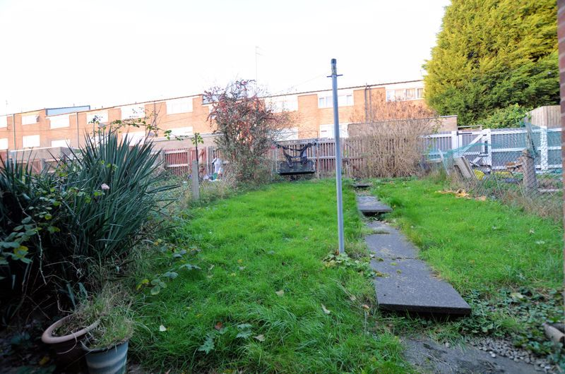 2 bed house for sale in Highfield Lane 4