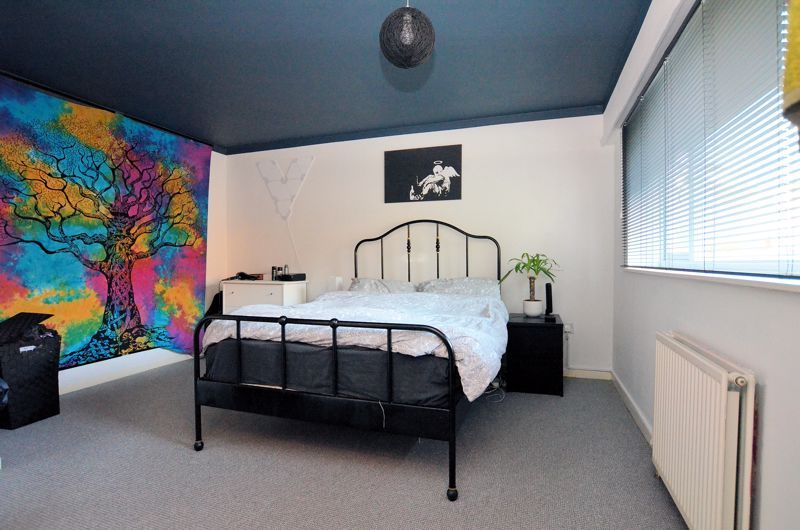 2 bed house for sale in Highfield Lane 5