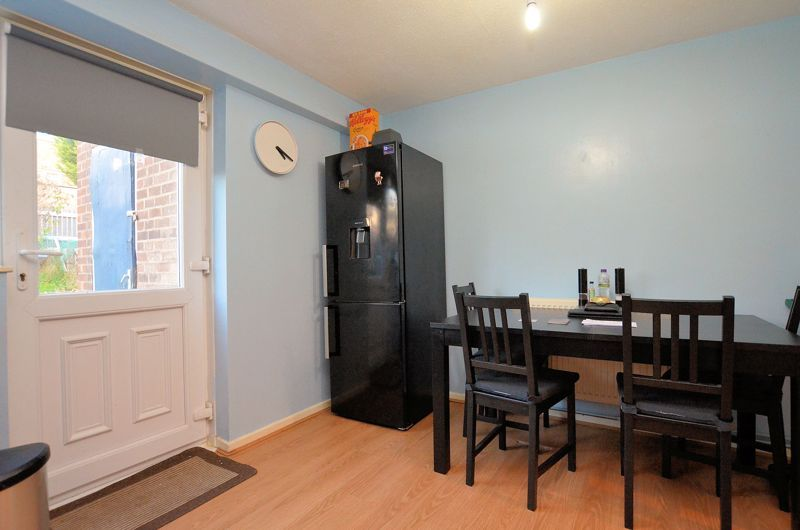 2 bed house for sale in Highfield Lane 8