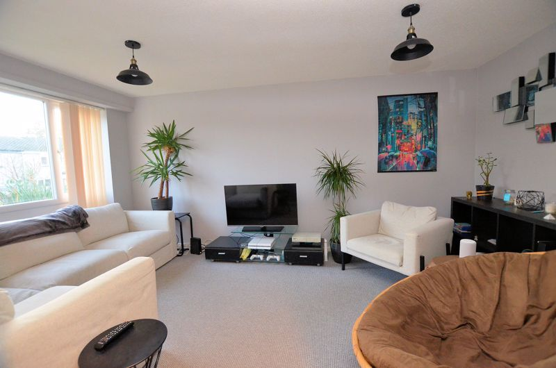 2 bed house for sale in Highfield Lane 10