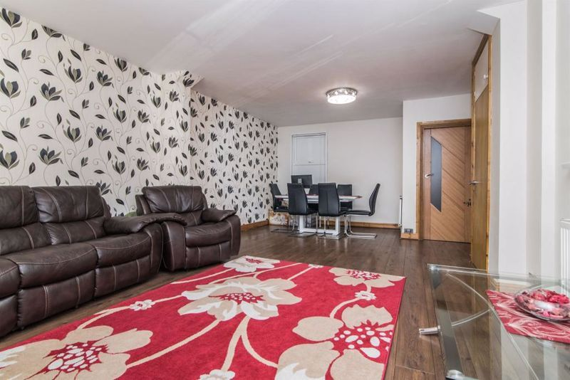 3 bed house for sale in Paignton Road 2