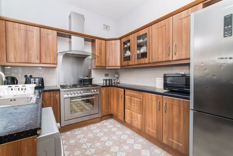 3 bed house for sale in Paignton Road  - Property Image 3