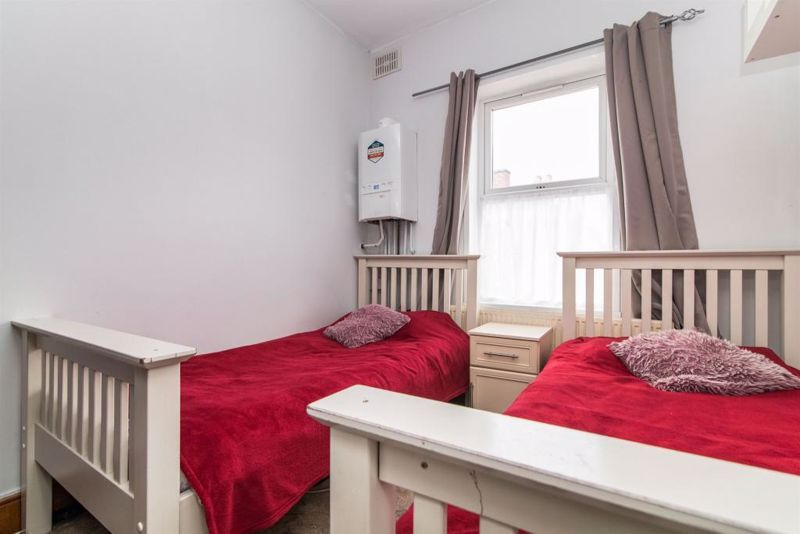 3 bed house for sale in Paignton Road 8