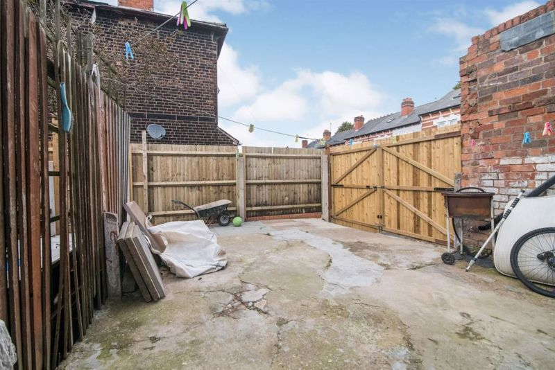 3 bed house for sale in Paignton Road 10