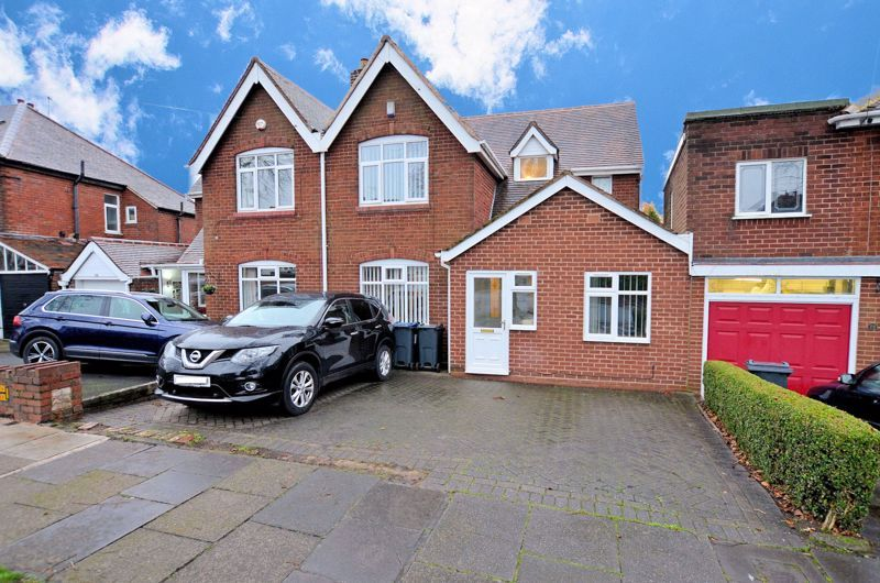 3 bed house for sale in Clydesdale Road  - Property Image 1