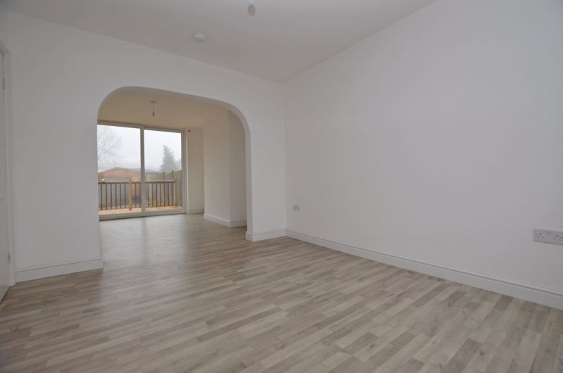3 bed house for sale in Upper Meadow Road  - Property Image 13