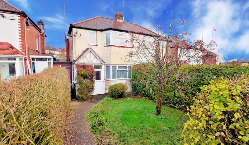 2 bed house for sale in Worlds End Lane 1