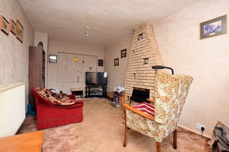2 bed house for sale in Worlds End Lane 2