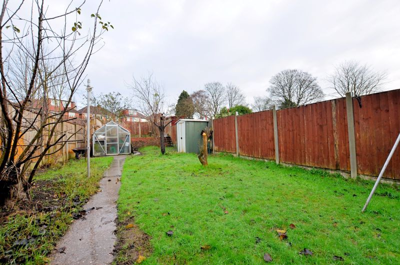 2 bed house for sale in Worlds End Lane 4