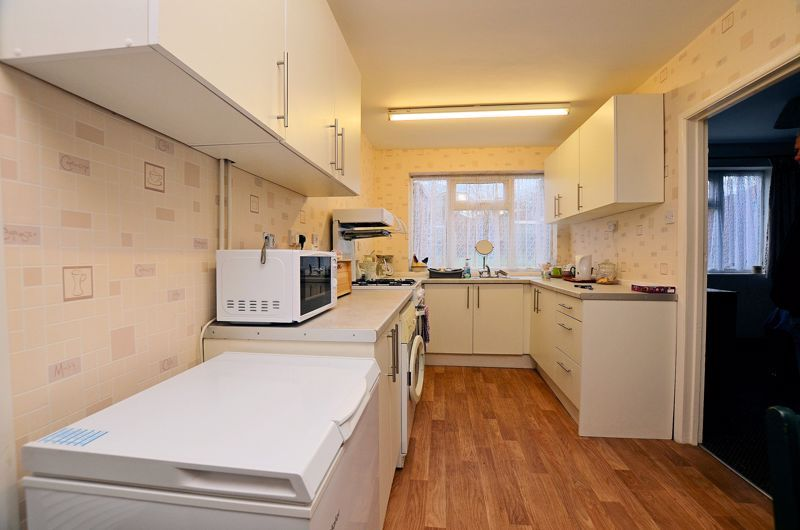 2 bed house for sale in Worlds End Lane 8