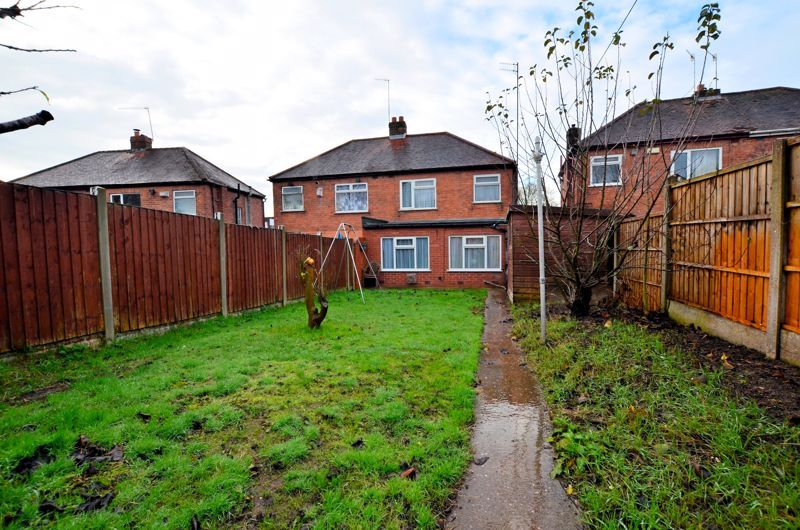 2 bed house for sale in Worlds End Lane 9