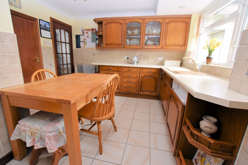 4 bed house for sale in Carters Lane 13