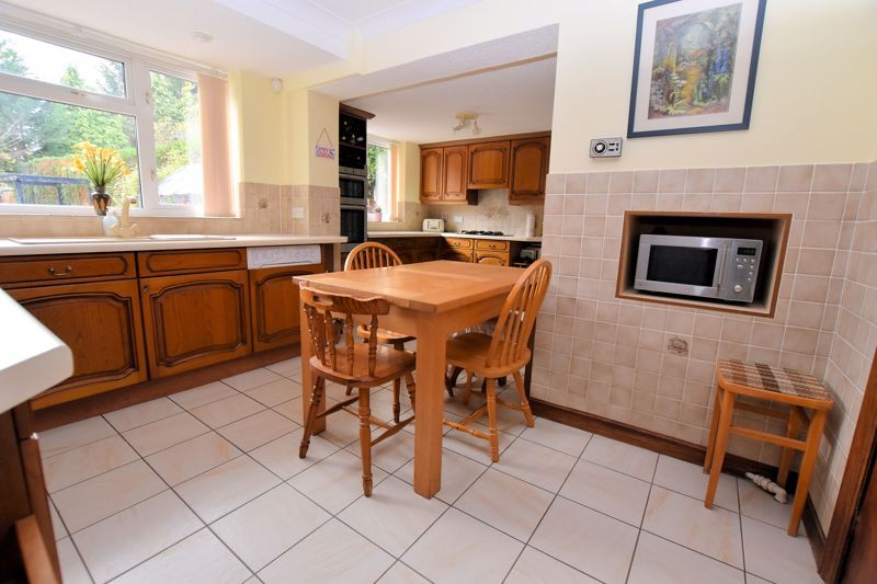 4 bed house for sale in Carters Lane 14