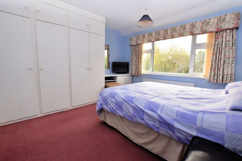4 bed house for sale in Carters Lane 18