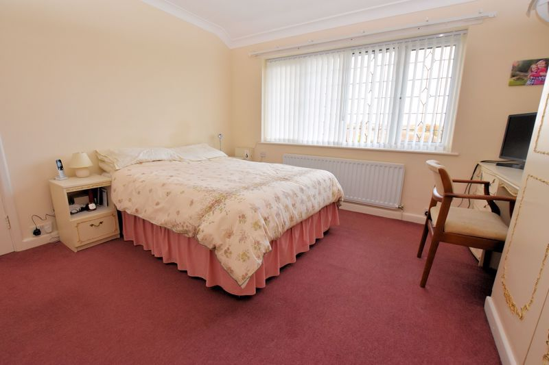 4 bed house for sale in Carters Lane 19