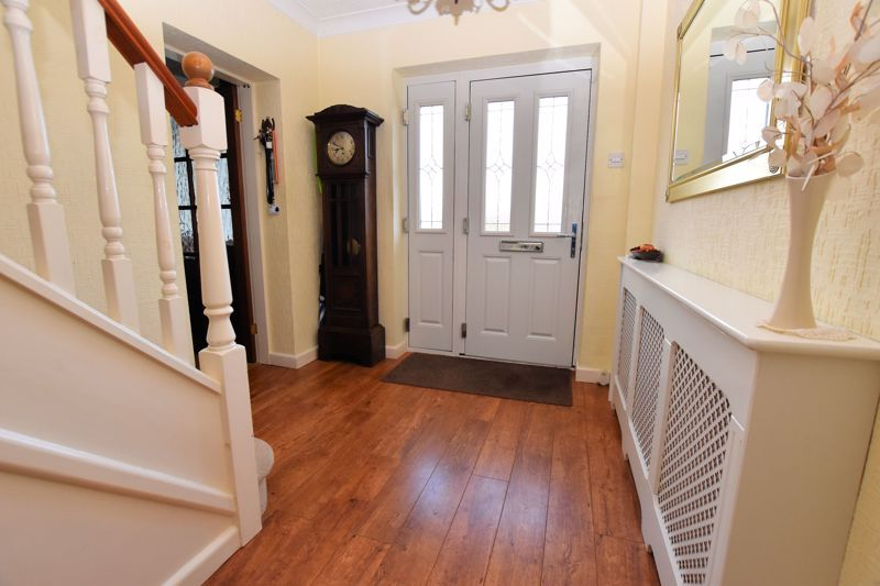 4 bed house for sale in Carters Lane 6