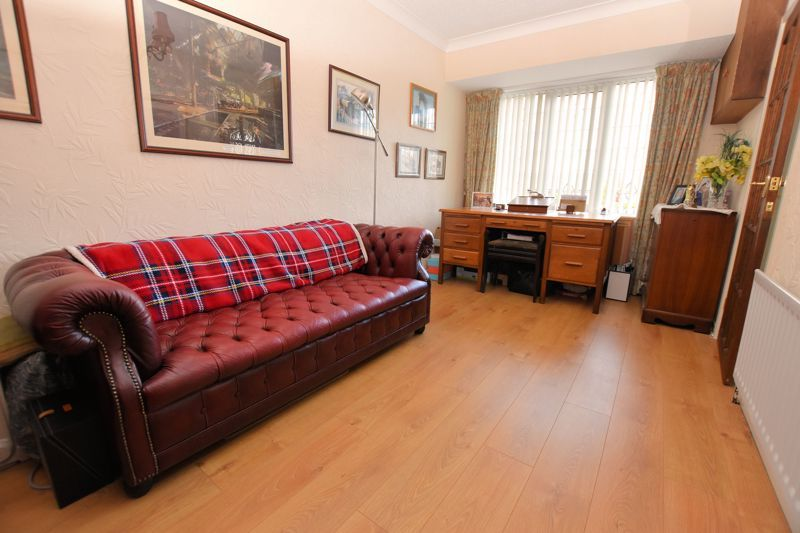 4 bed house for sale in Carters Lane 7