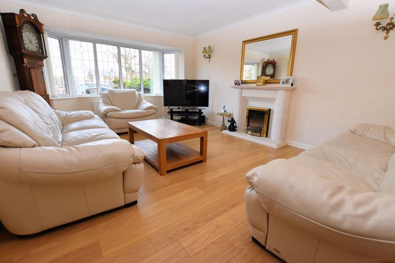 4 bed house for sale in Carters Lane 9