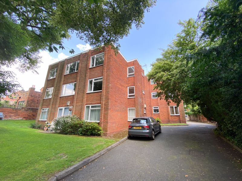 2 bed flat to rent in 46 St. Peters Road, B17