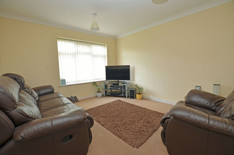 2 bed flat for sale in Apsley Road  - Property Image 3