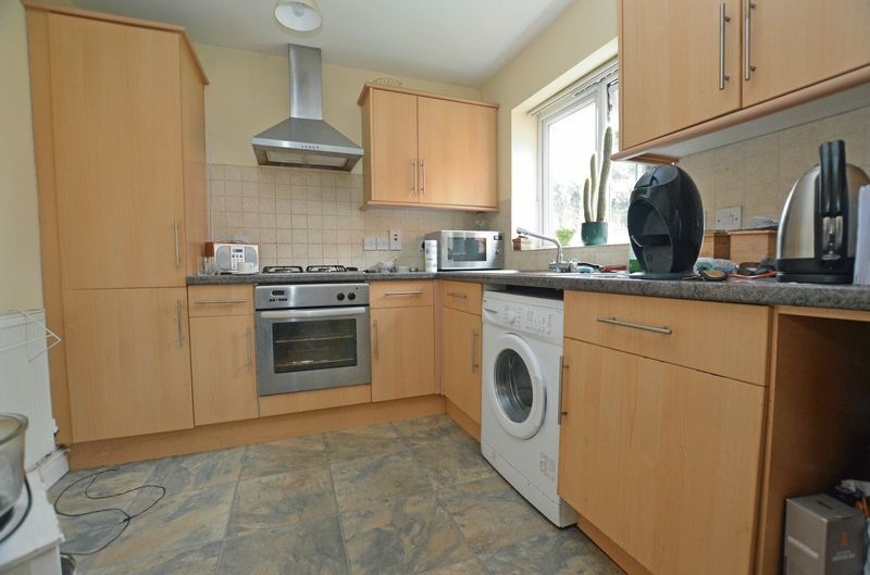 2 bed flat for sale in Apsley Road 4
