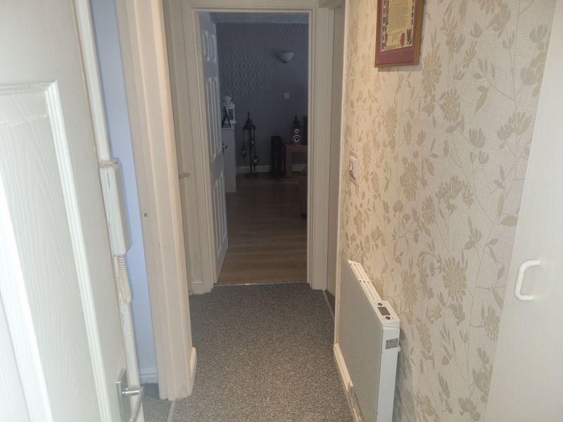 2 bed flat to rent in Clent Way  - Property Image 9