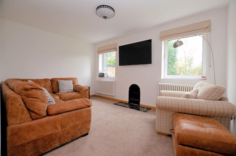 4 bed house for sale in Shire Close  - Property Image 2