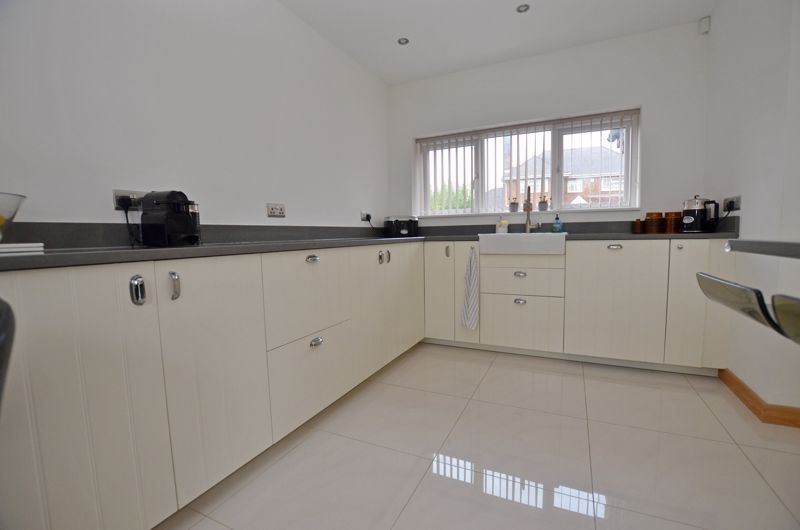4 bed house for sale in Shire Close 12
