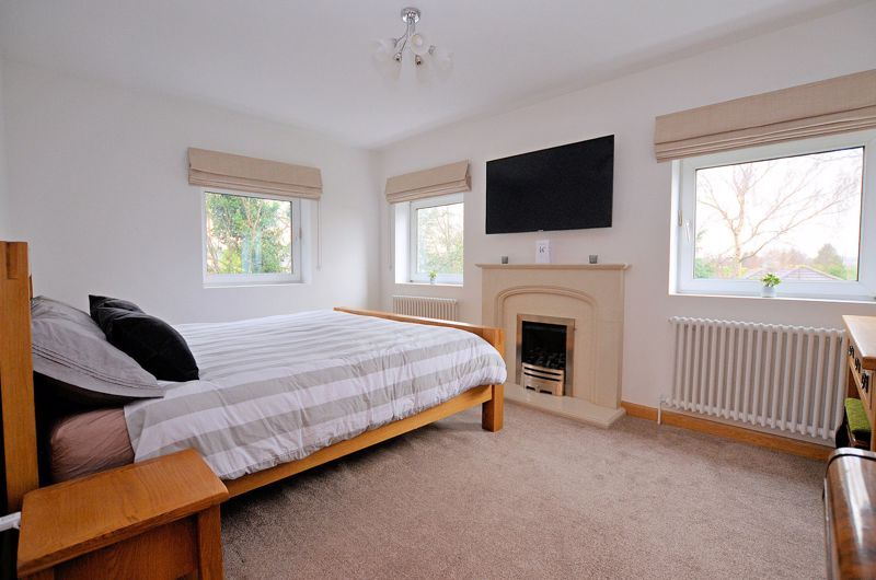 4 bed house for sale in Shire Close 5
