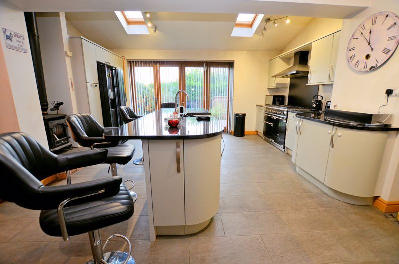 3 bed house for sale in Ashville Drive 2