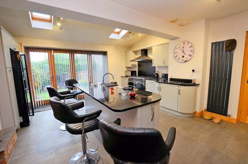 3 bed house for sale in Ashville Drive 8