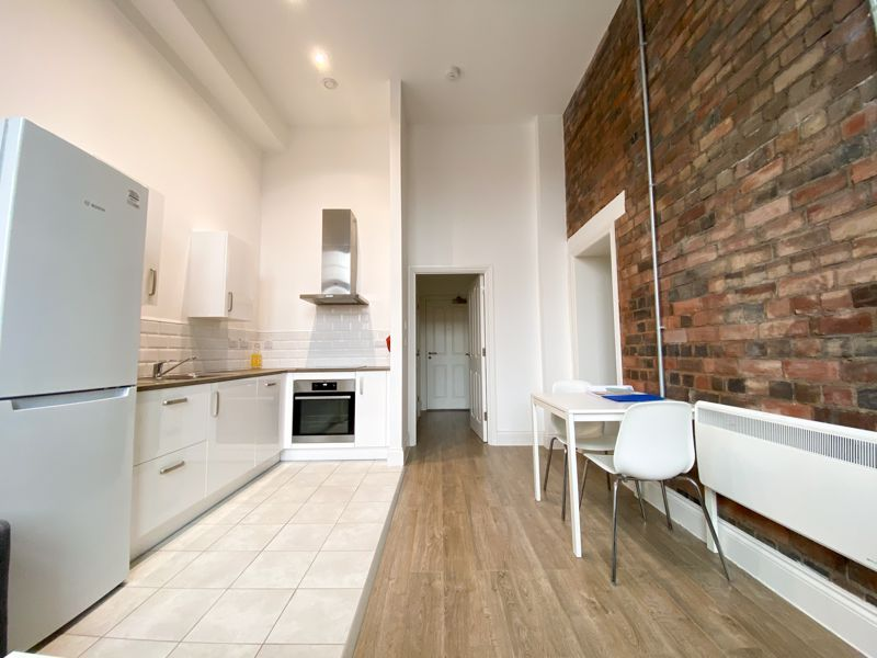 1 bed flat to rent in Crocketts Lane 2