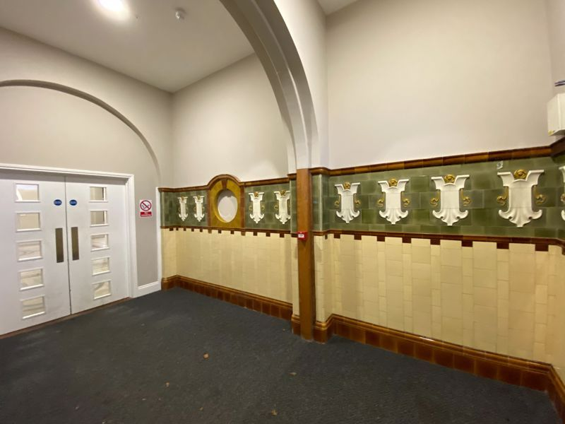 1 bed flat to rent in Crocketts Lane  - Property Image 13