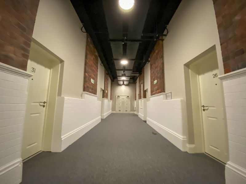 1 bed flat to rent in Crocketts Lane 9