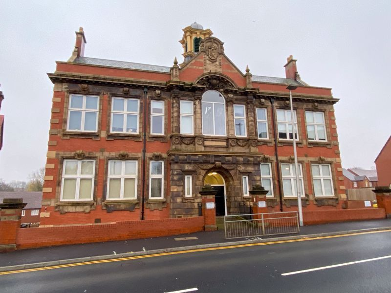 1 bed flat to rent in Crocketts Lane  - Property Image 10
