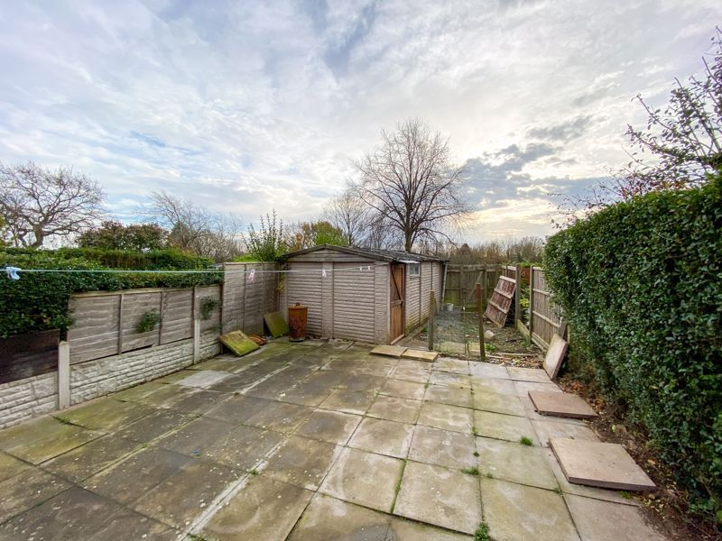 3 bed house to rent in Mayswood Grove 9