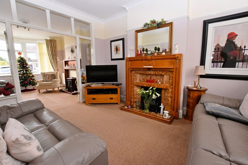 4 bed house for sale in Goodrest Avenue  - Property Image 3