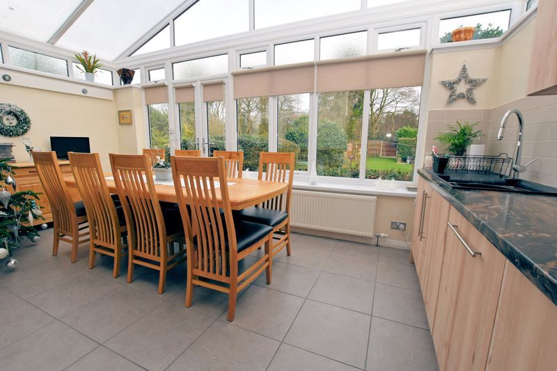 4 bed house for sale in Goodrest Avenue  - Property Image 4