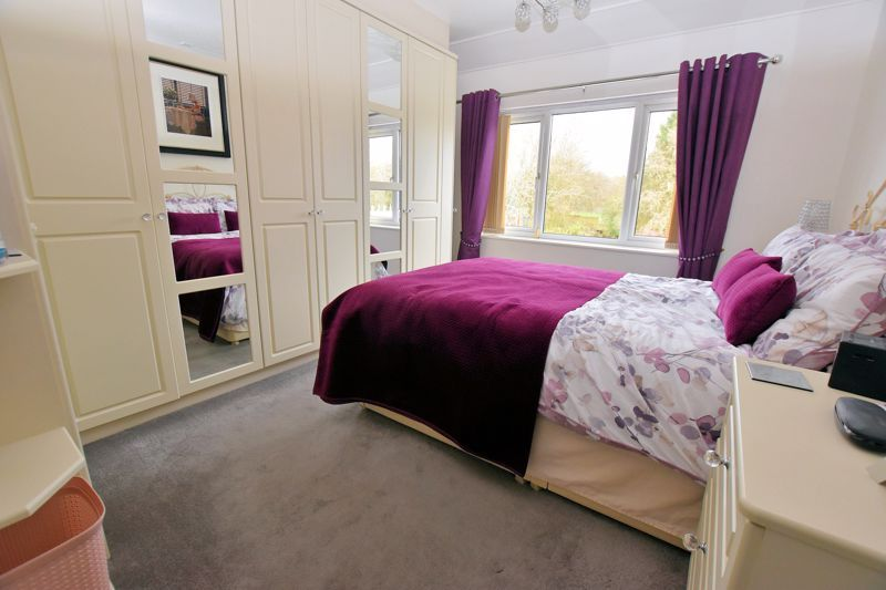 4 bed house for sale in Goodrest Avenue  - Property Image 5