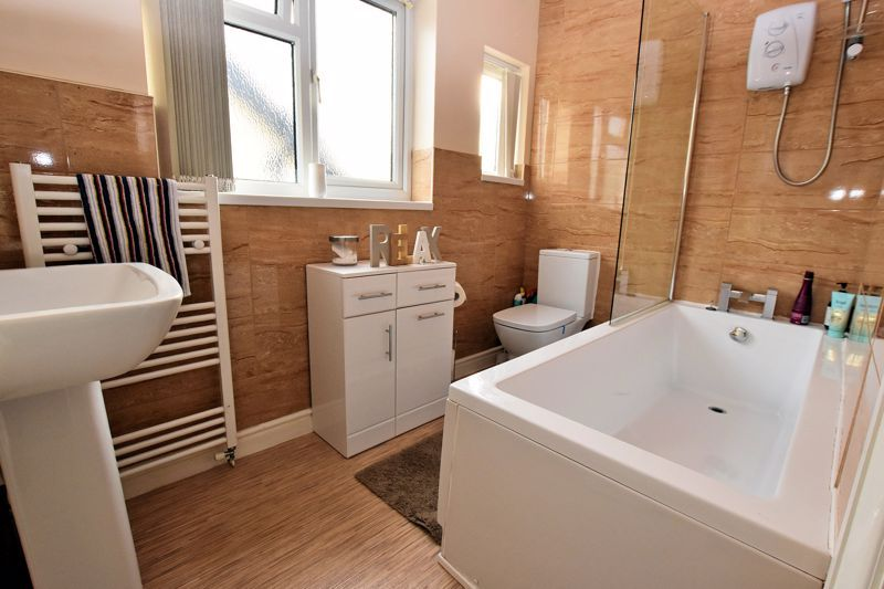 4 bed house for sale in Goodrest Avenue  - Property Image 8