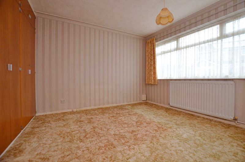 2 bed bungalow for sale in Middlefield Avenue  - Property Image 5
