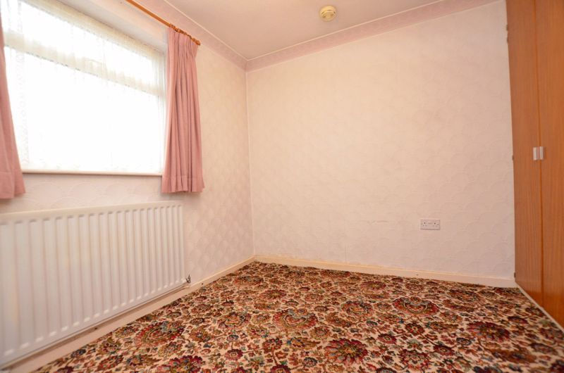 2 bed bungalow for sale in Middlefield Avenue  - Property Image 6
