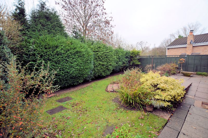 2 bed bungalow for sale in Middlefield Avenue  - Property Image 8