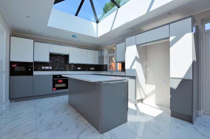4 bed house for sale in Broadway  - Property Image 12